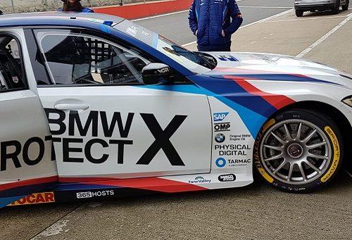 Logos BMW 330i M sport